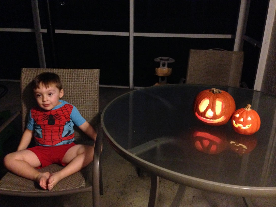 2014-10-26_pumpkin carving 10