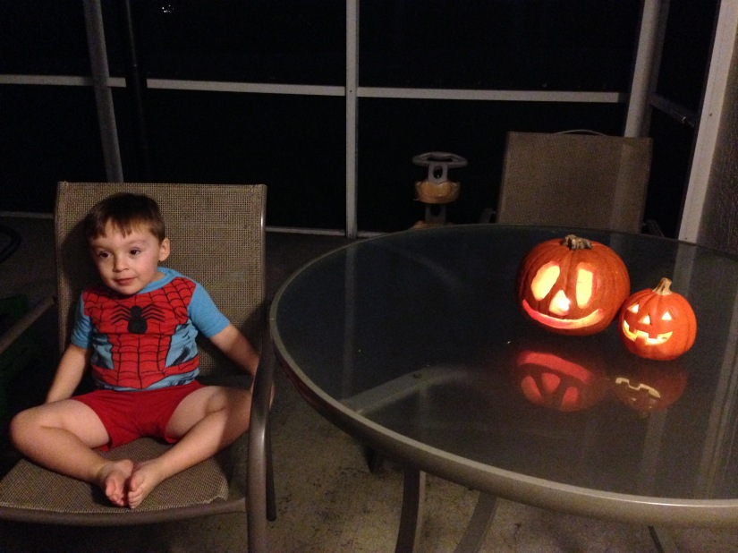 2014-10-26_pumpkin carving 10