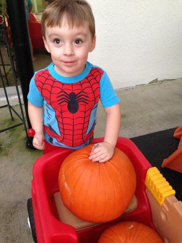 2014-10-26_pumpkin carving 3