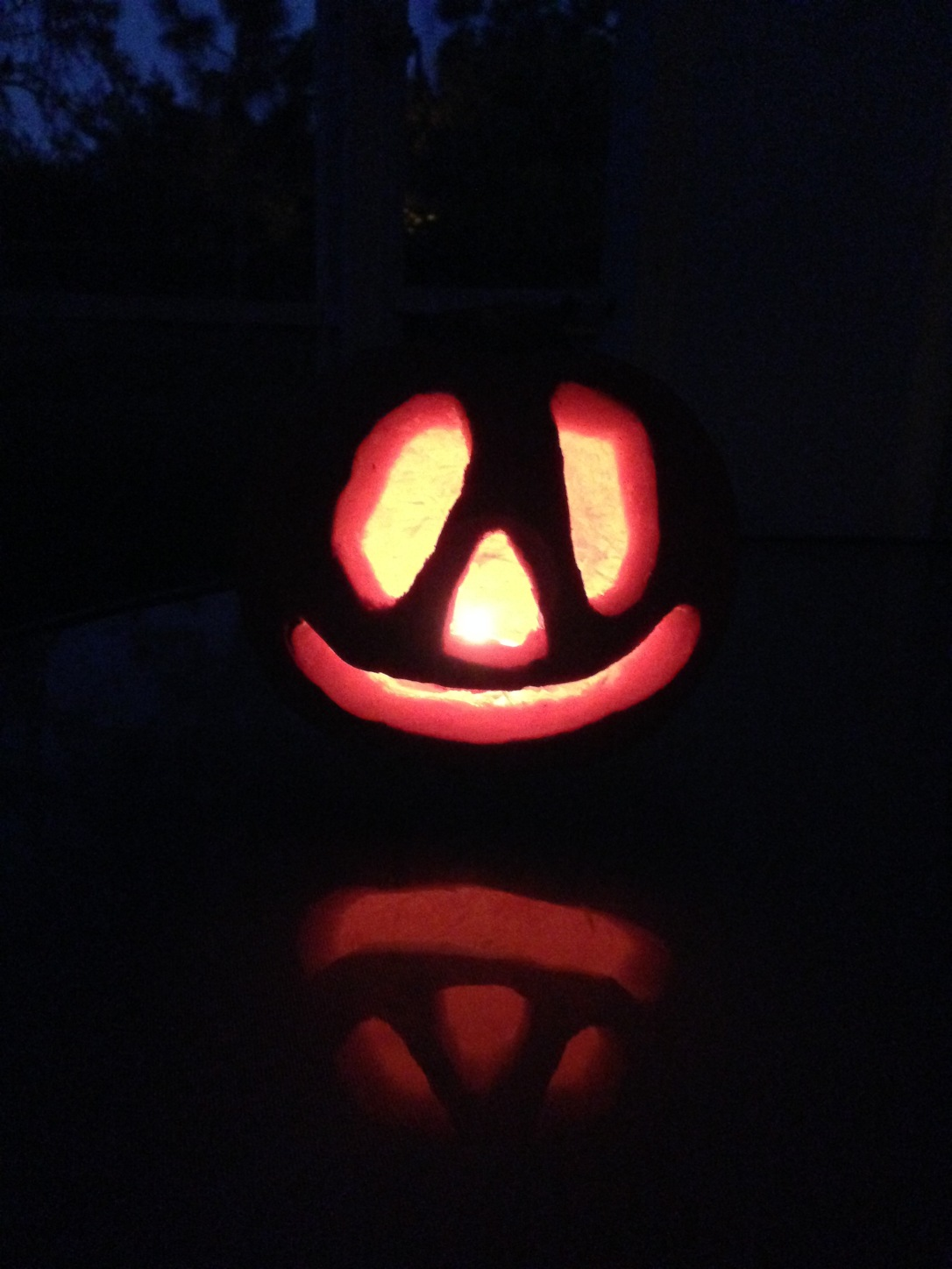2014-10-26_pumpkin carving 9
