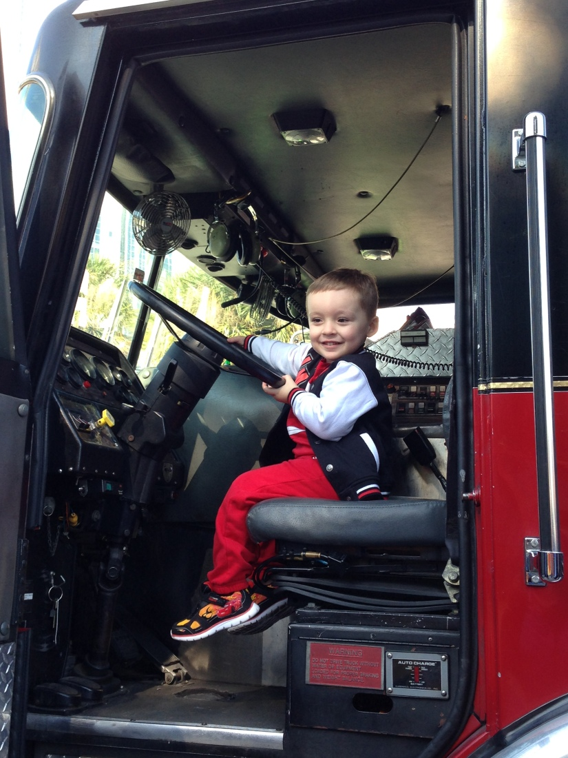 2014-11-15_Touch A Truck Event 018