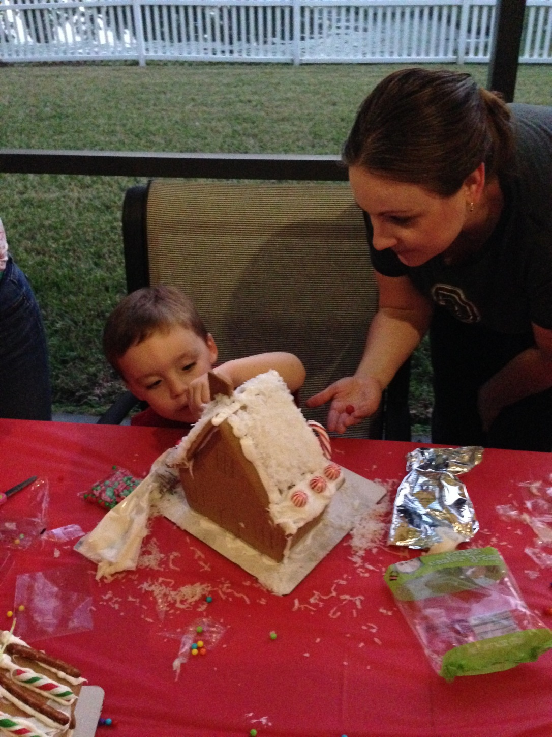 2014-12-06_4th Annual Gingerbread Party 013