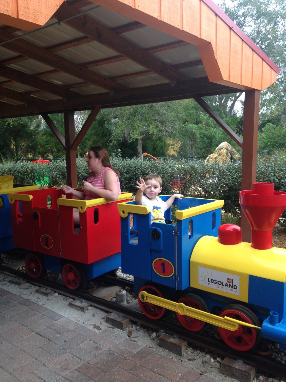 2014-12-30_Legoland train