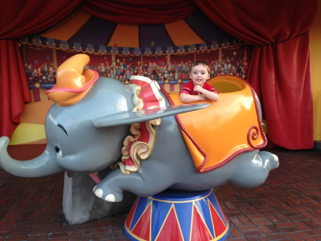 2015-01-03_Magic Kingdom_Dumbo1