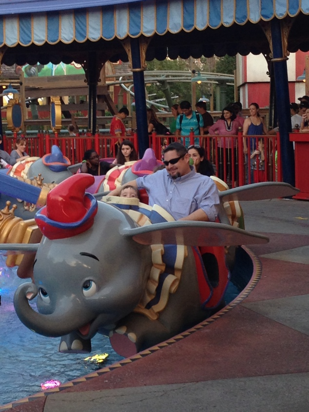2015-01-03_Magic Kingdom_Dumbo2