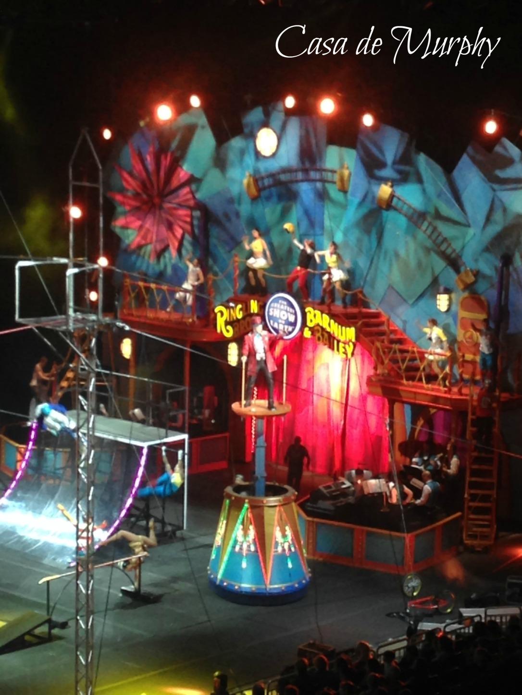 2015-01-10_Circus Extreme Ringmaster