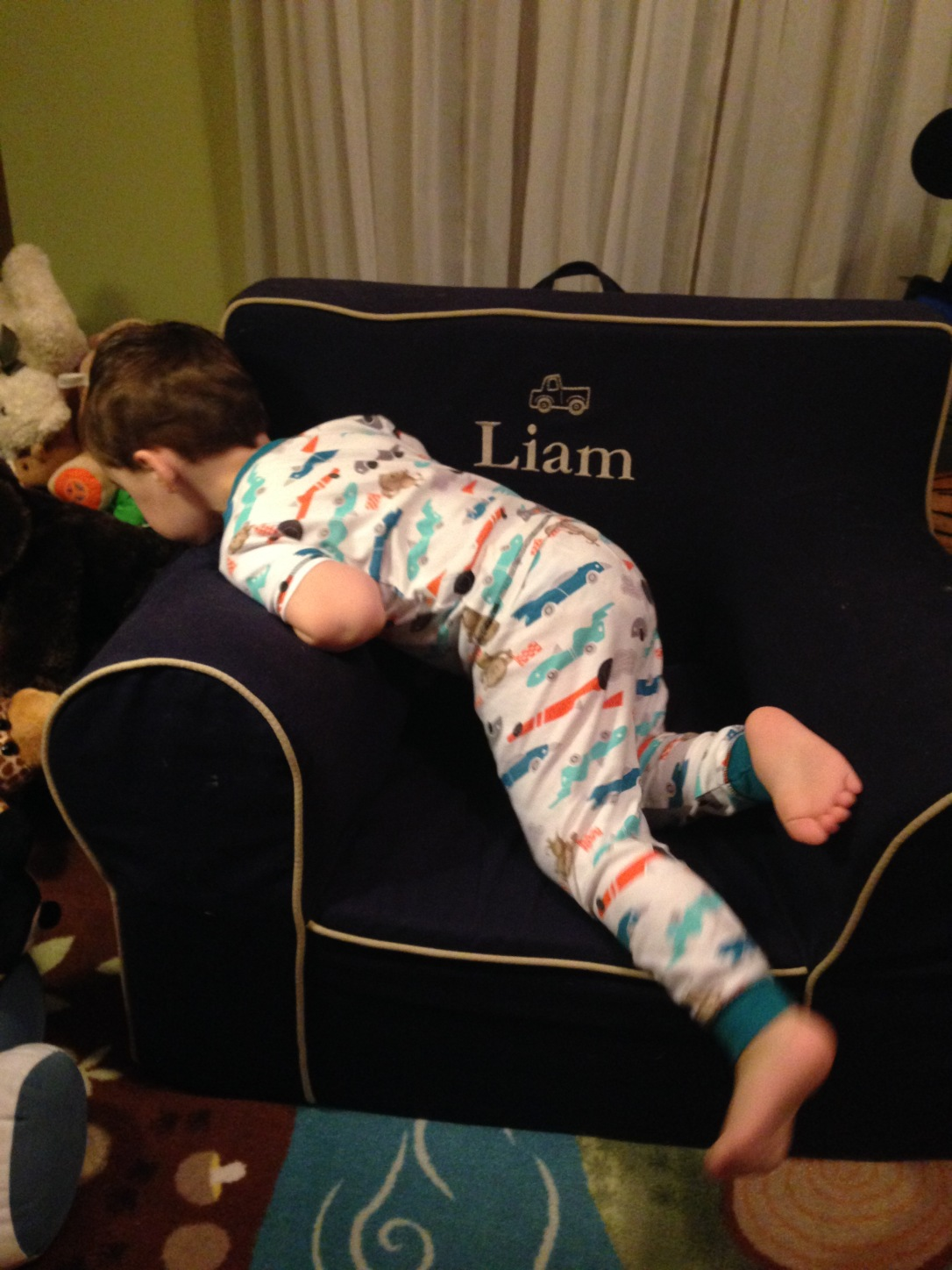 2015-01-28_42 months pic lounging