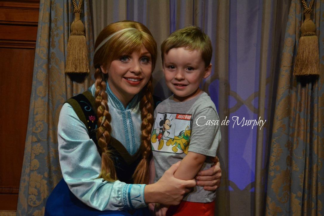2015-05-25_Disney Anna HugsEDITED
