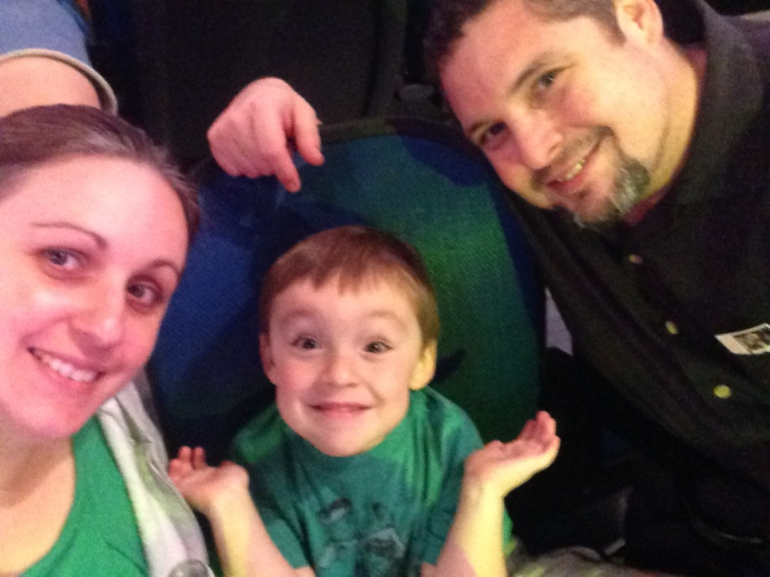 2015-09-04_Disney On Ice_family selfie