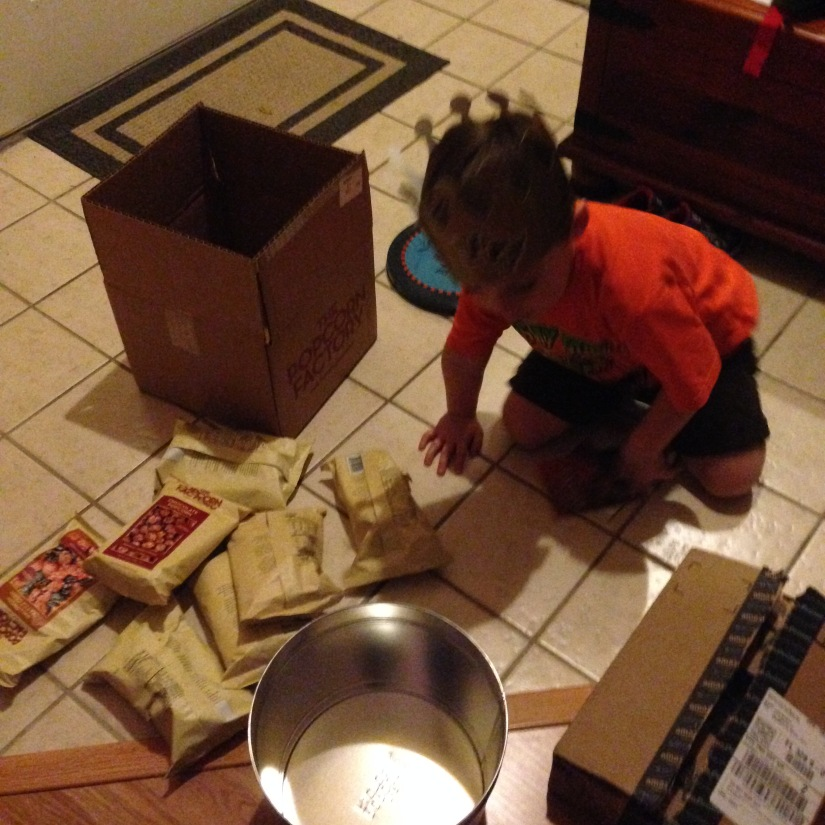 2015-10-30_Popcorn Delivery