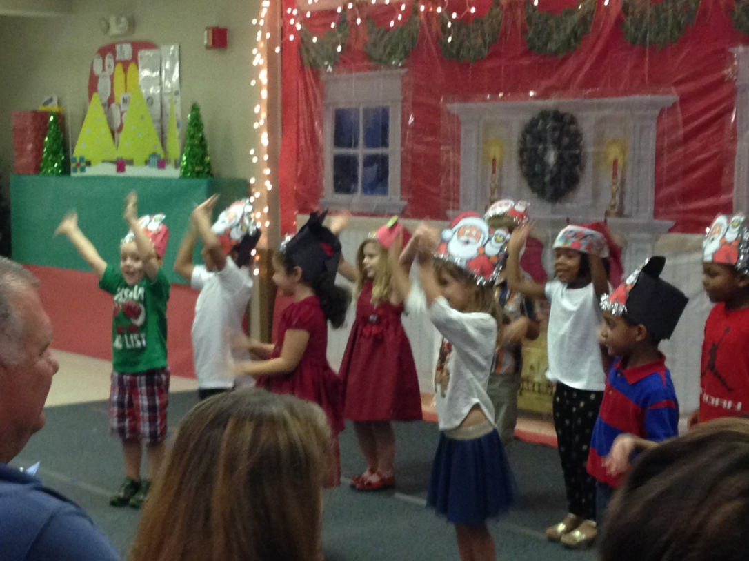 2015-12-17_KRK PreK Holiday Program 4